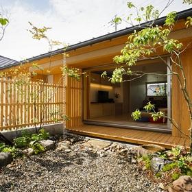 「南北にひろがる平屋「いろはの家」」 サムネイル画像