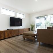 「バリ島制作のオリジナル家具で構成し...」サムネイル