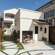 「住居と店舗二棟のナチュラルデザイン」サムネイル