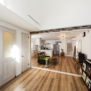 「住居と店舗 二棟のナチュラルデザイン」サムネイル